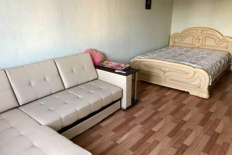 Сдается 2-комнатная квартира посуточно в Челябинске, улица Руставели, 2Б.