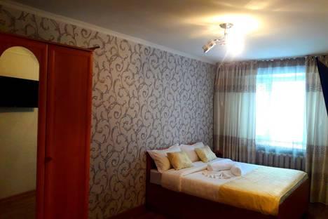 Сдается 1-комнатная квартира посуточно, Тауелсыздик 58.