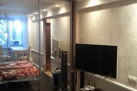 Сдается 1-комнатная квартира посуточно в Сочи, улица Чайковского.