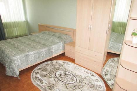 Сдается 2-комнатная квартира посуточно, улица Федосеева 33а.