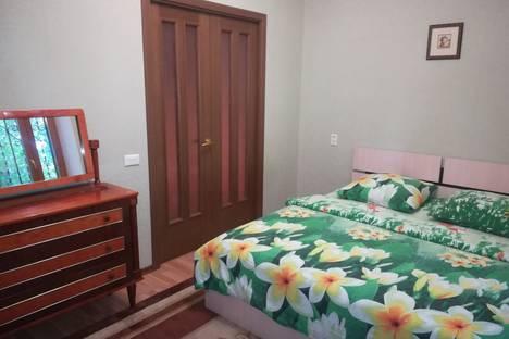 Сдается 2-комнатная квартира посуточно в Магнитогорске, улица Чапаева, 5.