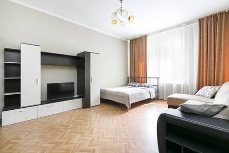 Сдается 1-комнатная квартира посуточно в Новосибирске, улица Галущака, 1.