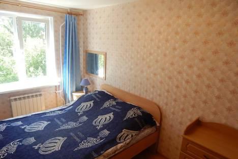 Сдается 2-комнатная квартира посуточно в Петрозаводске, улица Фрунзе, 14А.