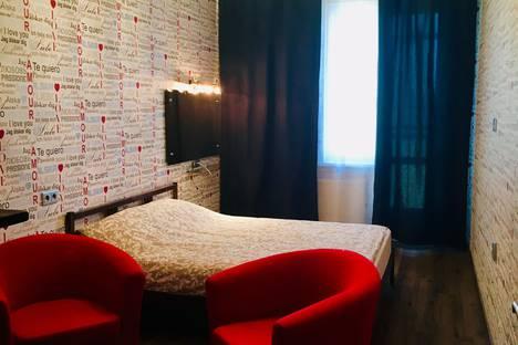 Сдается 2-комнатная квартира посуточно, улица Семьи Шамшиных, 16.