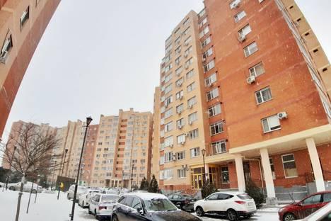 Сдается 2-комнатная квартира посуточно в Батайске, улица Северная Звезда, 7 корпус 5.