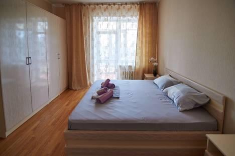 Сдается 2-комнатная квартира посуточно, улица Достык, 1.