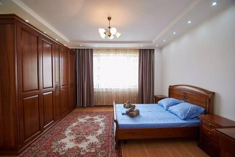 Сдается 2-комнатная квартира посуточно в Астане, улица Достык, 13.