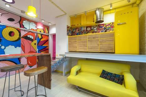 Сдается 1-комнатная квартира посуточно в Москве, Смоленская-Сенная площадь 27с1.