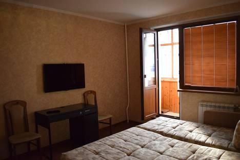 Сдается 1-комнатная квартира посуточно, улица 60 Лет Октября, 54.