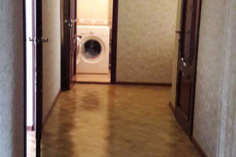 Сдается 2-комнатная квартира посуточно в Махачкале, проспект Имама Шамиля 55.