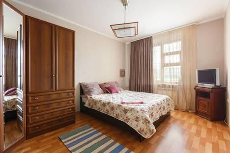 Сдается 2-комнатная квартира посуточно в Новосибирске, улица Челюскинцев, 3.