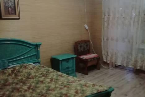 Сдается 2-комнатная квартира посуточно в Сочи, улица Дагомысская, 8.