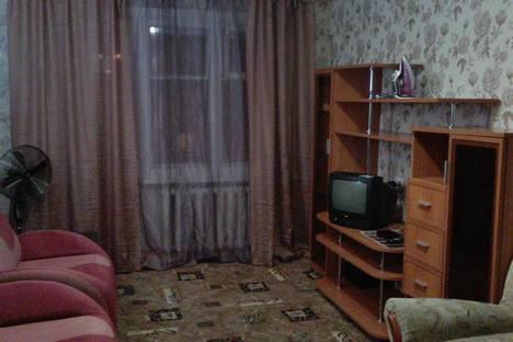 Сдается 2-комнатная квартира посуточно в Северодвинске, Октябрьская улица, 5.