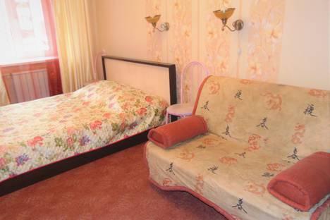 Сдается 4-комнатная квартира посуточно, улица Привокзальная, 5.