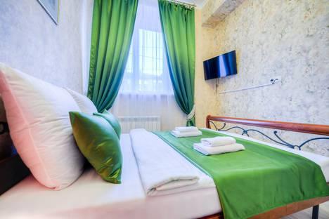 Сдается 2-комнатная квартира посуточно в Челябинске, улица Цвиллинга, 40.