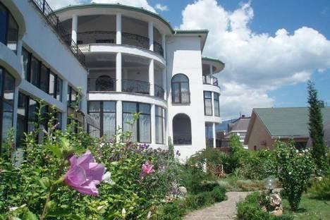 Сдается 1-комнатная квартира посуточно в Отрадном, Крым, Ялта, поселок Ливадия, улица Виноградная, 17.