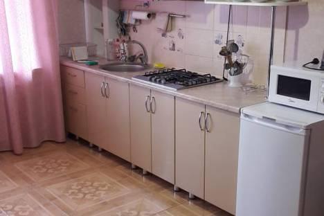 Сдается 1-комнатная квартира посуточно в Астрахани, улица Полякова, 18.