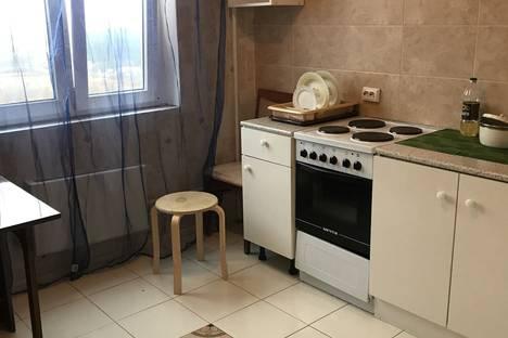 Сдается 1-комнатная квартира посуточно в Подольске, Колхозная улица, 20.