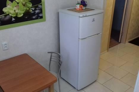 Сдается 1-комнатная квартира посуточно в Павлограде, Станкостроителей 12.