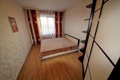 Сдается 4-комнатная квартира посуточно, улица Крылова, 81.