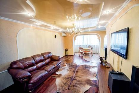 Сдается 3-комнатная квартира посуточно во Владивостоке, улица Светланская, 183.