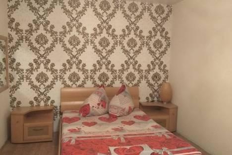Сдается 1-комнатная квартира посуточно в Нижнем Тагиле, улица Октябрьской Революции, 26.