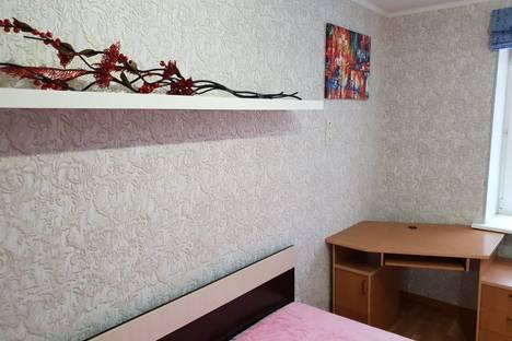 Сдается 2-комнатная квартира посуточно в Балакове, Саратовская область, улица Гагарина, 44, подъезд 1.