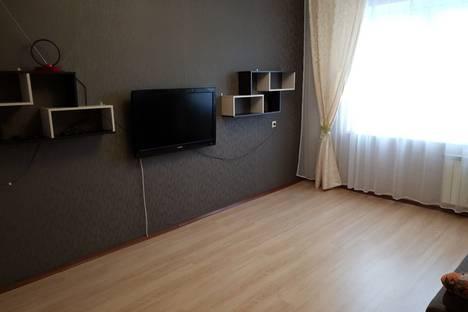 Сдается 7-комнатная квартира посуточно в Балакове, Саратовская область, бульвар Роз, 13, подъезд 1.