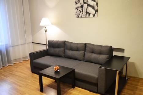 Сдается 2-комнатная квартира посуточно в Великом Новгороде, улица Чудинцева, 11/62.
