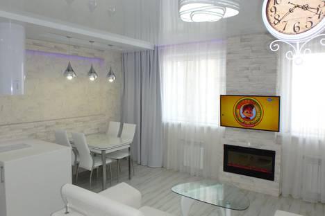 Сдается 2-комнатная квартира посуточно в Новосибирске, улица Красноярская, 107.