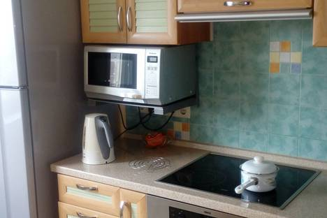 Сдается 1-комнатная квартира посуточно в Реутове, Носовихинское шоссе, 16.