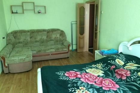 Сдается 1-комнатная квартира посуточно в Хабаровске, улица Лермонтова, 15.