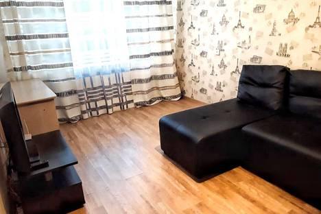 Сдается 1-комнатная квартира посуточно в Колпино, улица Вавилова, 22.