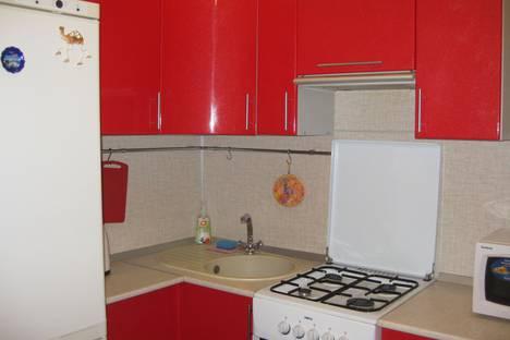 Сдается 1-комнатная квартира посуточно в Ухте, улица 40 Лет Коми, д.5.