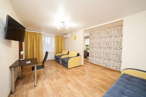 Сдается 2-комнатная квартира посуточно в Коломне, Окский проспект, 7.