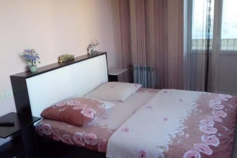 Сдается 1-комнатная квартира посуточно в Энгельсе, Комсомольская улица, 117.