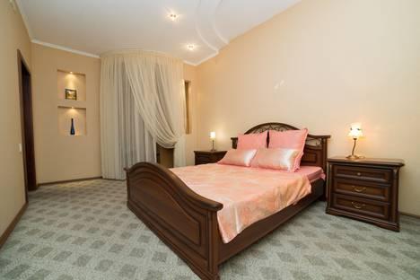 Сдается 3-комнатная квартира посуточно в Челябинске, улица Вострецова, 7.