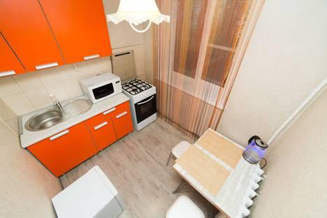 Сдается 2-комнатная квартира посуточно в Челябинске, улица Сулимова 94а.