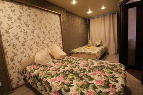 Сдается 2-комнатная квартира посуточно в Екатеринбурге, улица Короленко, 10.