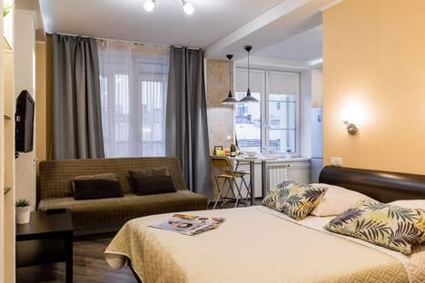 Сдается 1-комнатная квартира посуточно, Дивенская улица 5.