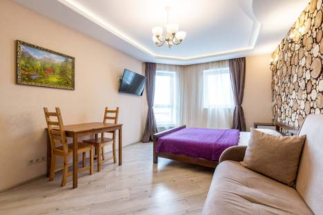 Сдается 1-комнатная квартира посуточно в Екатеринбурге, улица Юмашева, 6.