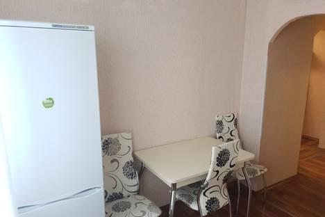 Сдается 2-комнатная квартира посуточно в Балакове, проезд Энергетиков, 2.