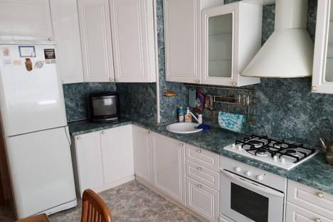 Сдается 3-комнатная квартира посуточно в Балакове, ул Саратовское шоссе, 91.