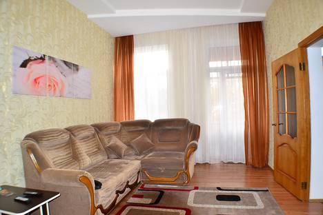 Сдается 2-комнатная квартира посуточно в Днепре, Дніпро́, проспект Дмитра Яворницького, 125.