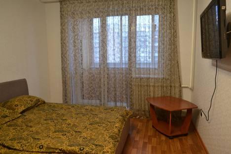 Сдается 1-комнатная квартира посуточно в Новокузнецке, проспект Н. С. Ермакова, 30.