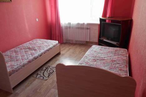 Сдается 2-комнатная квартира посуточно в Сызрани, улица Дзержинского, 44.