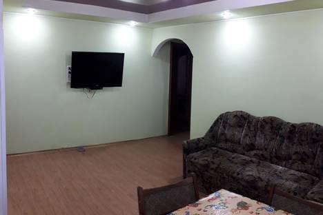Сдается 3-комнатная квартира посуточно в Днепродзержинске, Кам'янське, Магнітогорська вулиця, 13.
