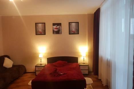 Сдается 1-комнатная квартира посуточно в Красноярске, улица Алексеева, 47.