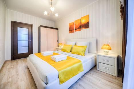 Сдается 2-комнатная квартира посуточно, улица Братьев Кашириных, 95.