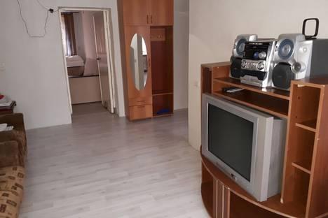 Сдается 2-комнатная квартира посуточно в Златоусте, улица Полетаева, 5.